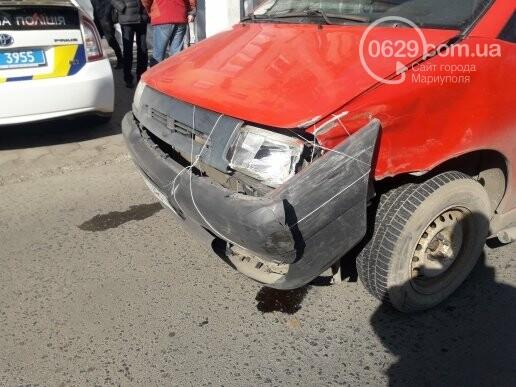"""В Мариуполе """"Шкода"""" столкнулась с микроавтобусом, - ФОТО, фото-8"""
