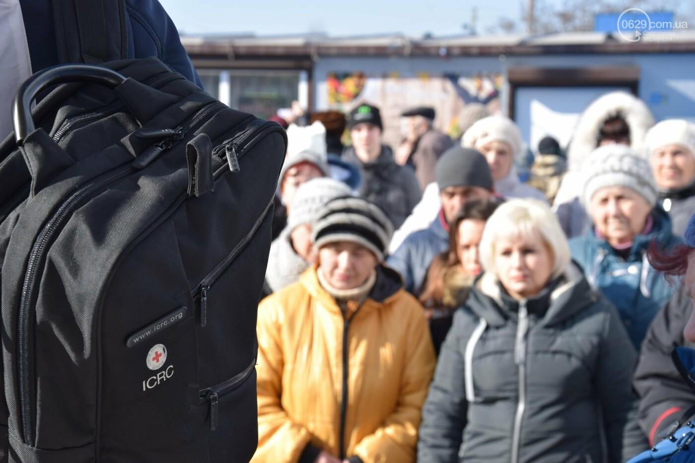 """На """"Восточном"""" жители Широкино получили продуктовые наборы,- ФОТО, ВИДЕО, фото-9"""