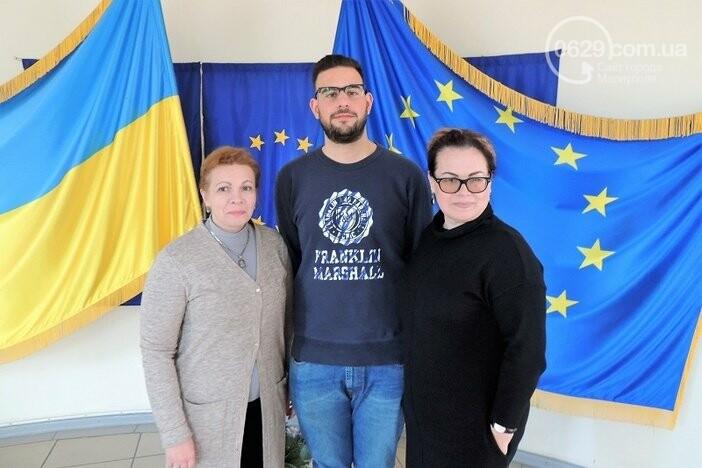Двух студенток МГУ обменяли на парня из Греции, - ФОТО, фото-2