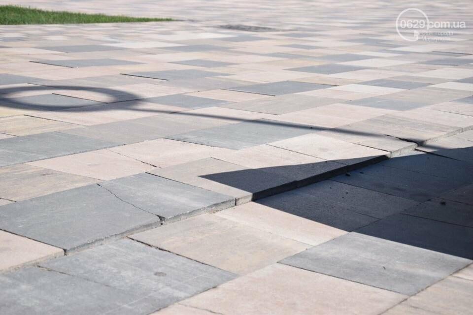 Город против драмтеатра. Кто разломал новую плитку в Мариуполе, и кто будет ее восстанавливать, - ФОТО, ВИДЕО, фото-9