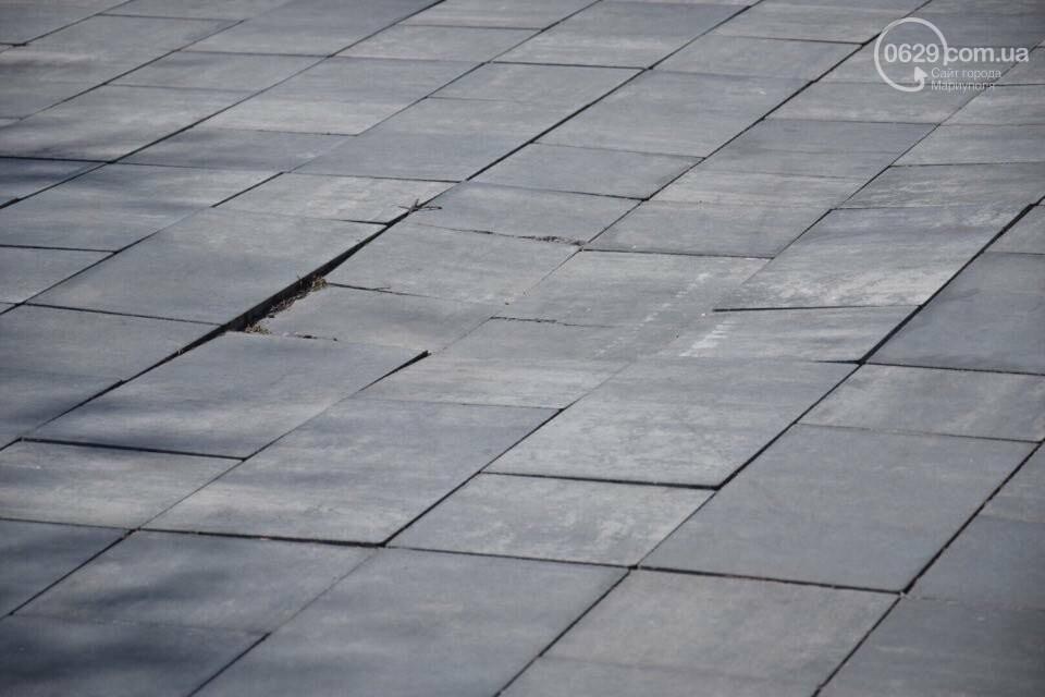 Город против драмтеатра. Кто разломал новую плитку в Мариуполе, и кто будет ее восстанавливать, - ФОТО, ВИДЕО, фото-19