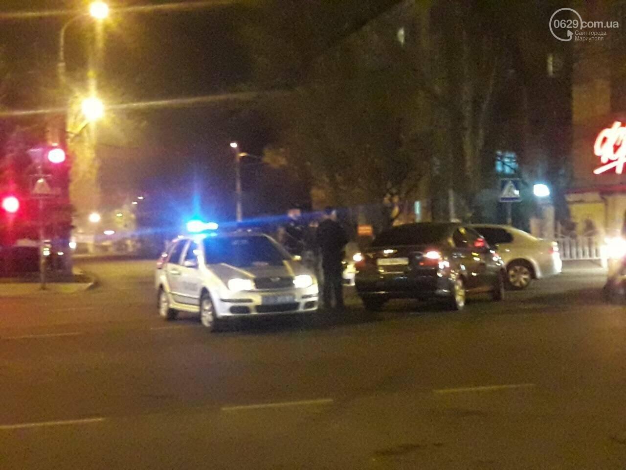 В центре Мариуполя столкнулись два автомобиля, — ФОТО, фото-5