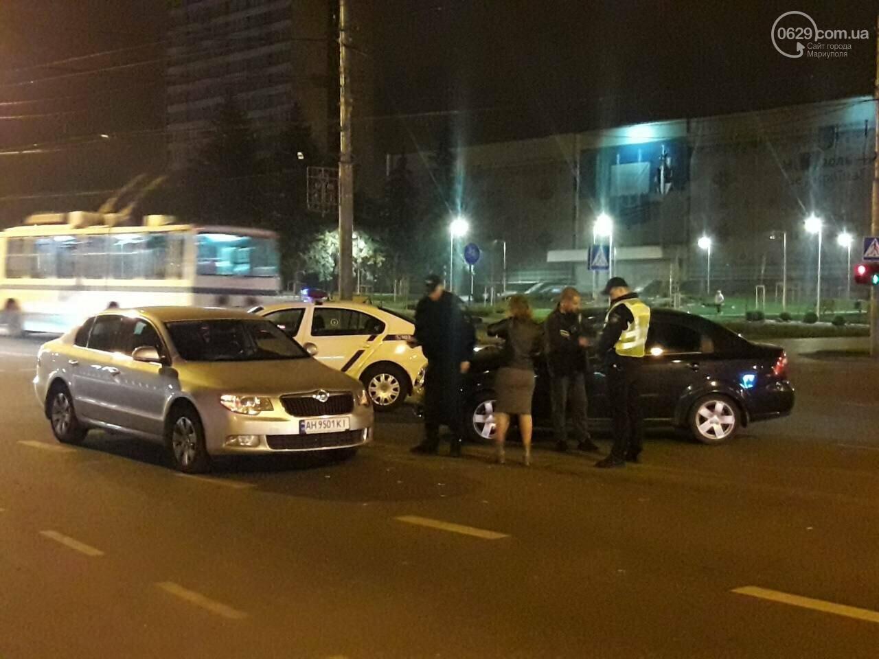 В центре Мариуполя столкнулись два автомобиля, — ФОТО, фото-1