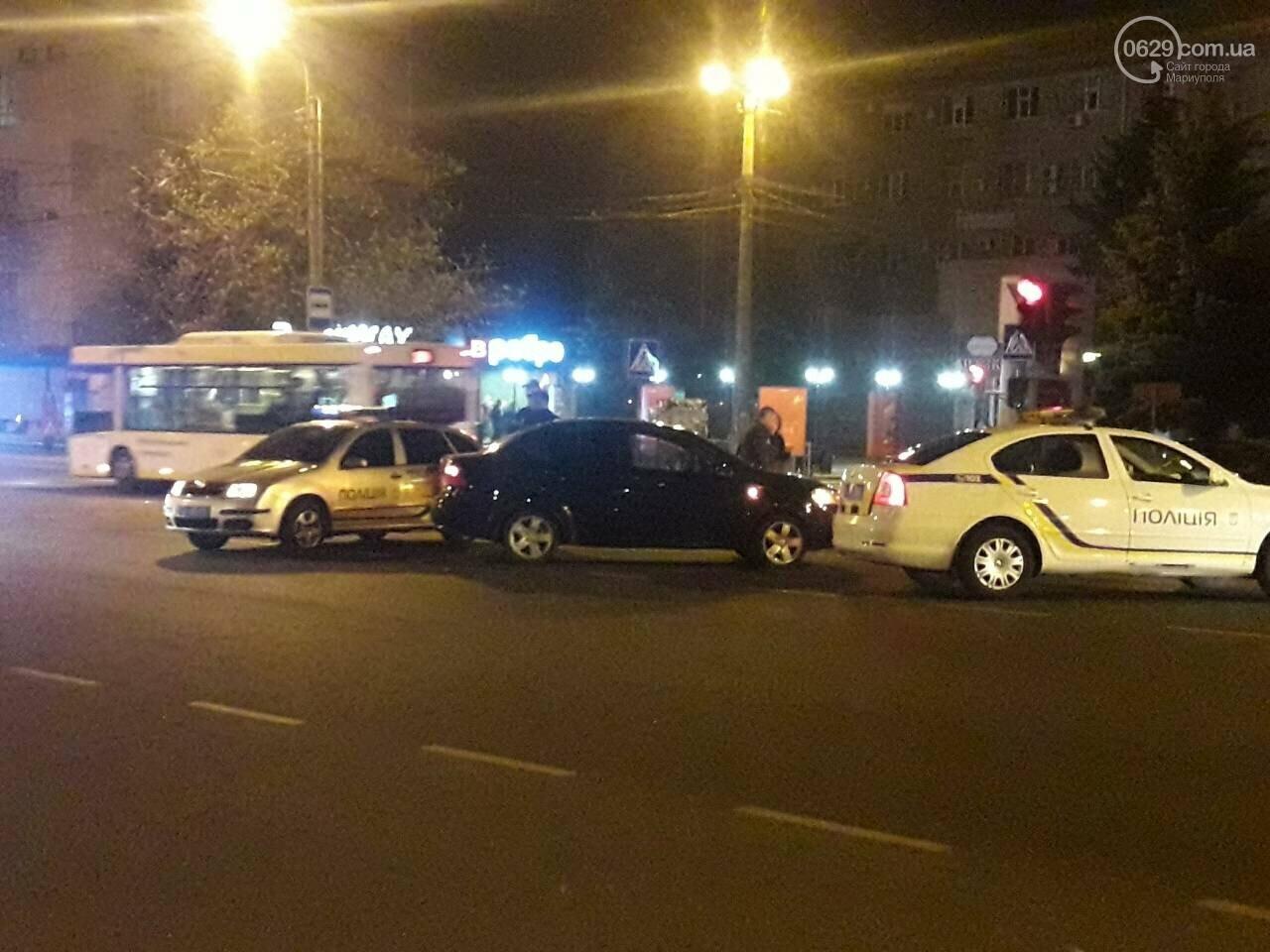 В центре Мариуполя столкнулись два автомобиля, — ФОТО, фото-6