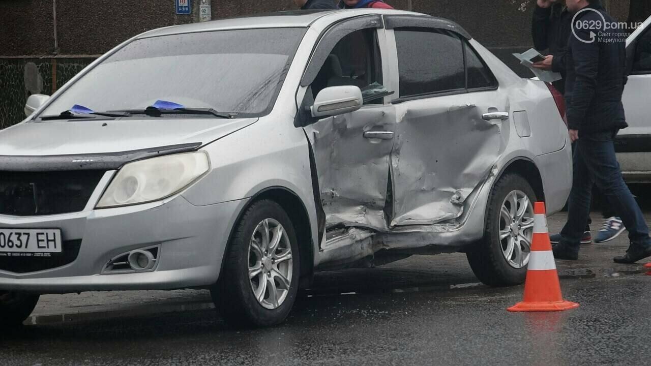 В Мариуполе столкнулись «Митсубиси» и «Джили». Есть пострадавший, - ФОТО, фото-5