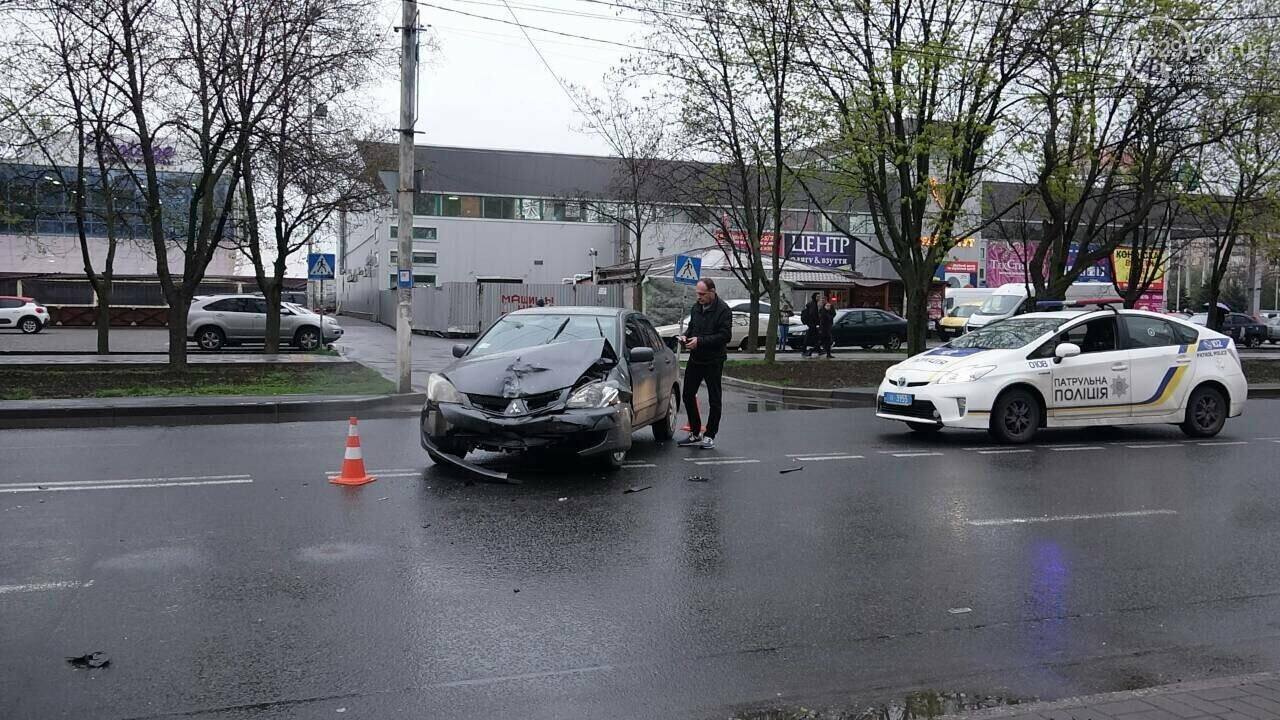 В Мариуполе столкнулись «Митсубиси» и «Джили». Есть пострадавший, - ФОТО, фото-7