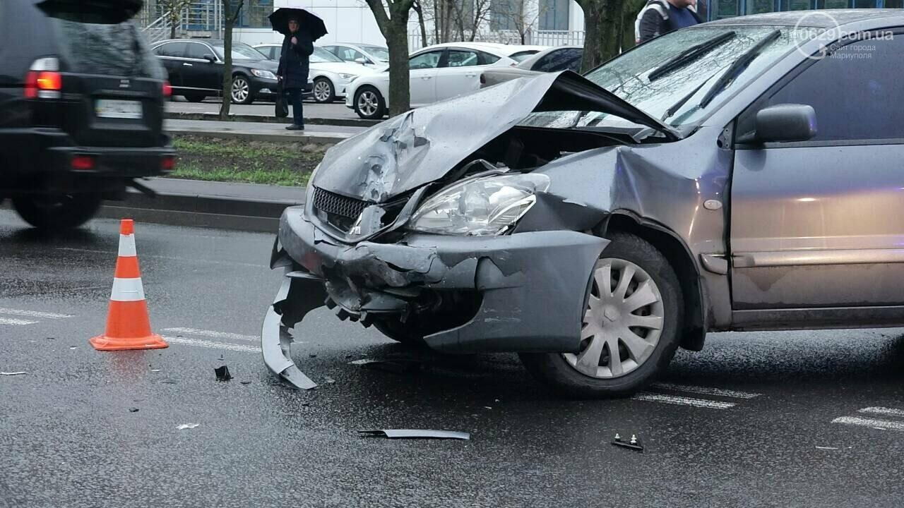 В Мариуполе столкнулись «Митсубиси» и «Джили». Есть пострадавший, - ФОТО, фото-6