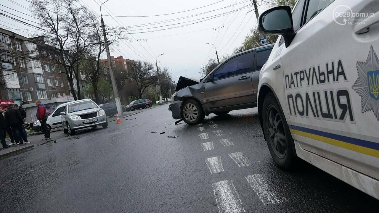 В Мариуполе столкнулись «Митсубиси» и «Джили». Есть пострадавший, - ФОТО, фото-15