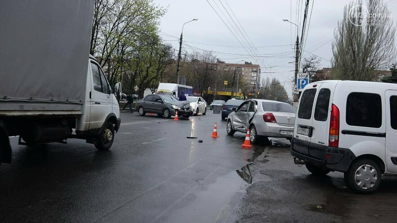 В Мариуполе столкнулись «Митсубиси» и «Джили». Есть пострадавший, - ФОТО, фото-13