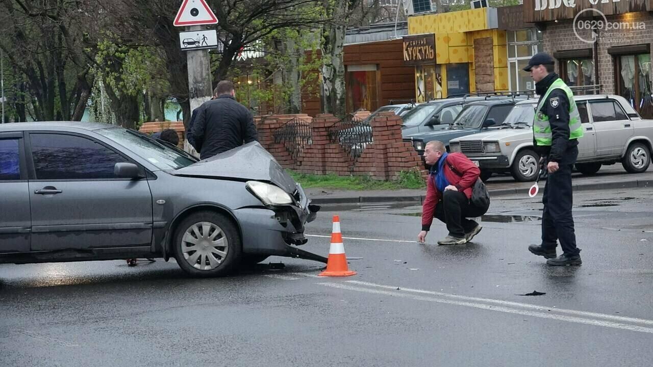 В Мариуполе столкнулись «Митсубиси» и «Джили». Есть пострадавший, - ФОТО, фото-17