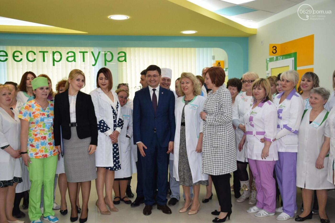 В Мариуполе Владимир Гройсман открыл детскую поликлинику и познакомился с Сережей, - ФОТОРЕПОРТАЖ, ВИДЕО, фото-44