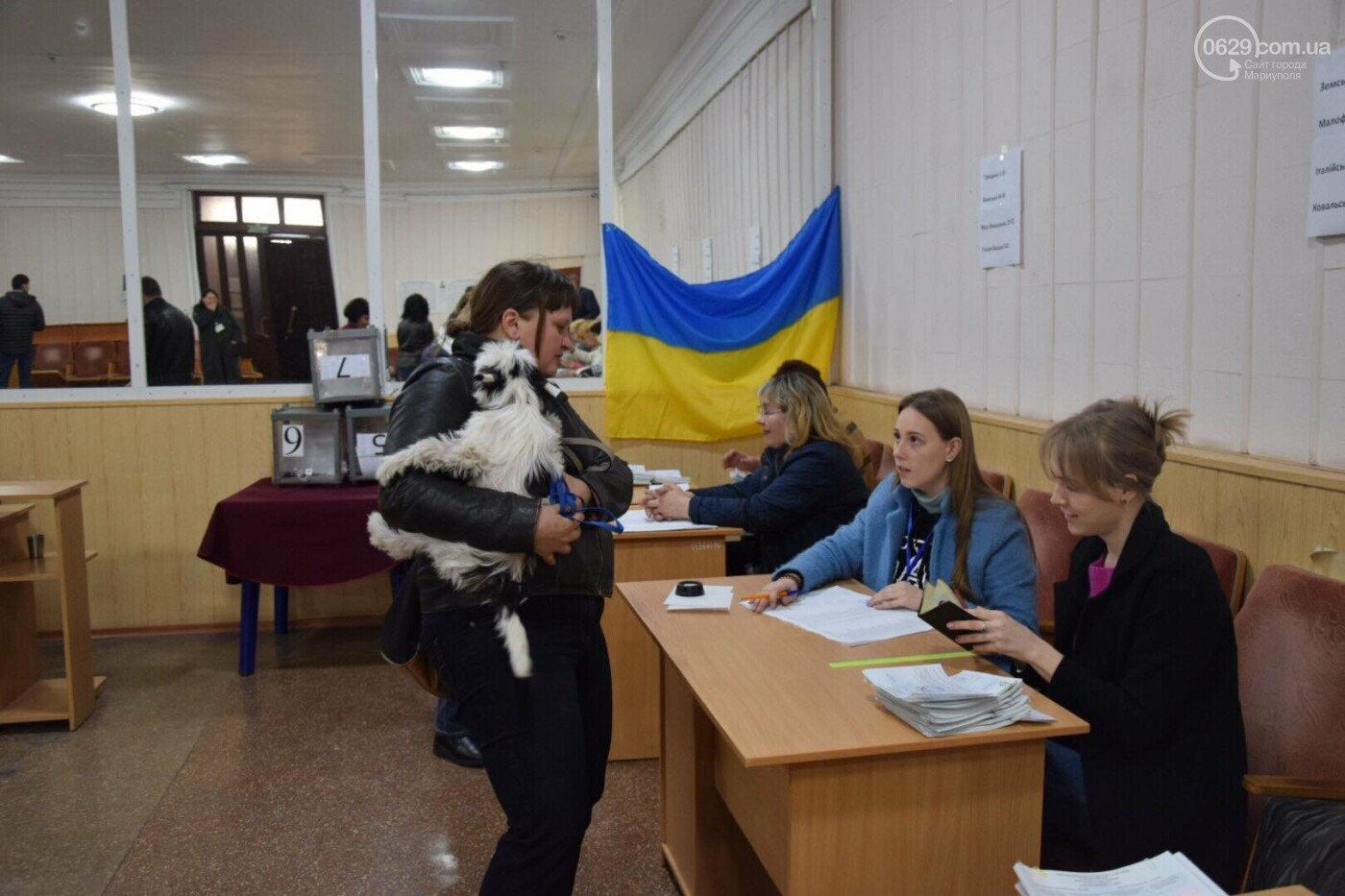 Мариупольцы выбирают Президента в компании животных, - ФОТО, ВИДЕО, фото-2