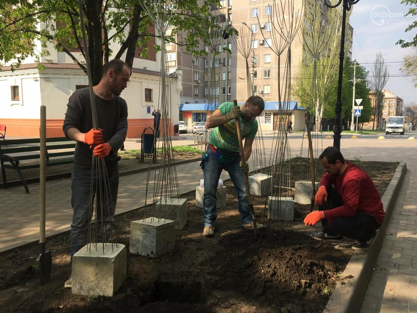В Мариуполе «высадили» металлические деревья,- ФОТО, ВИДЕО, фото-5