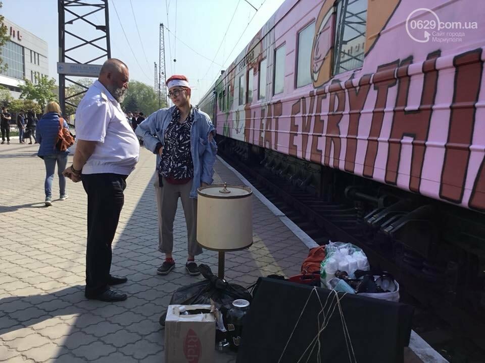 """В Мариуполе  встречали  первый творческий поезд """"Гогольtrain"""",- ФОТО, ВИДЕО, фото-5"""