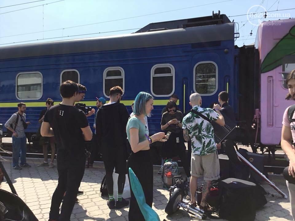 """В Мариуполе  встречали  первый творческий поезд """"Гогольtrain"""",- ФОТО, ВИДЕО, фото-9"""