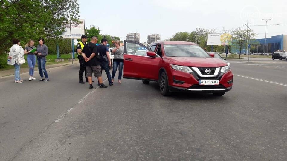 """В Мариуполе 12-летний велосипедист сломал руку после столкновения с """"Nissan"""", - ФОТО, фото-2"""