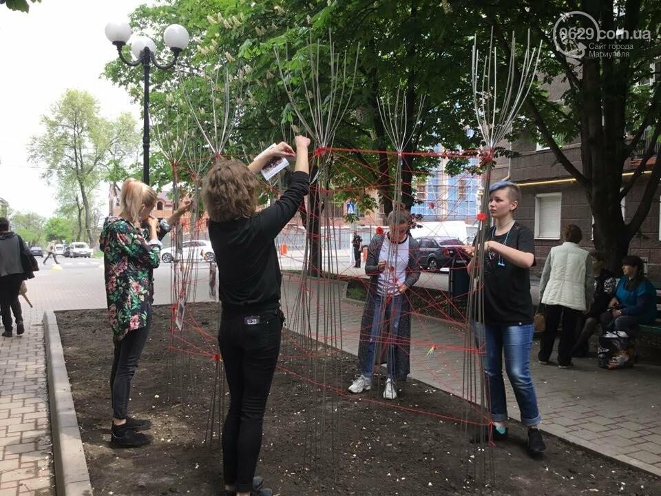 В Мариуполе накануне 9 мая появилась инсталляция с фотографиями погибших в войне с Россией, - ФОТО, ВИДЕО, фото-7