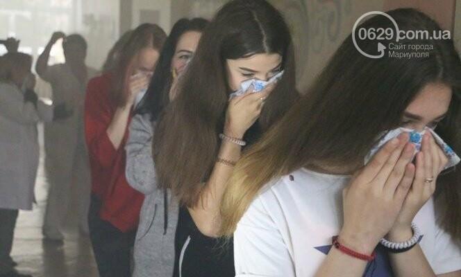 """Из """"горящего"""" санатория в Мариуполе спасали детей, - ФОТО, фото-1"""