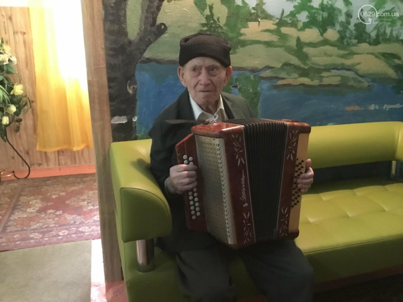 В мариупольском доме ветеранов живет 102-летний пехотинец, - ФОТО, ВИДЕО, фото-2