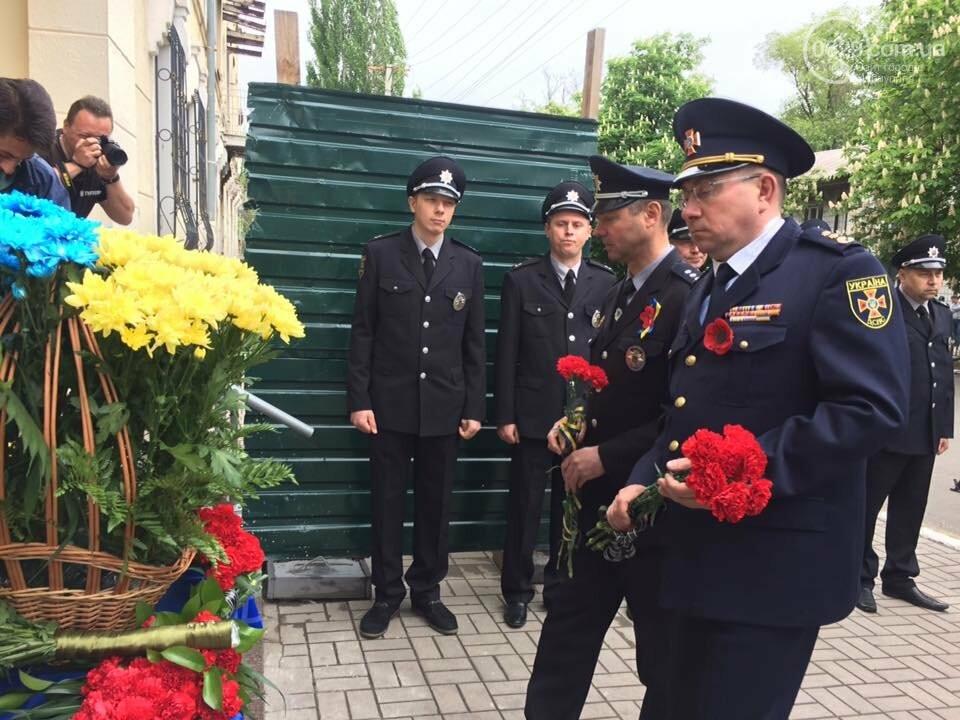 Мэр и начальник полиции Донетчины почтили память погибших возле ГУВД 5 лет назад,- ФОТО, ВИДЕО, фото-6