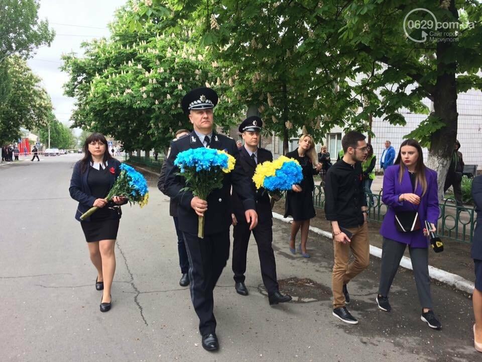 Мэр и начальник полиции Донетчины почтили память погибших возле ГУВД 5 лет назад,- ФОТО, ВИДЕО, фото-2