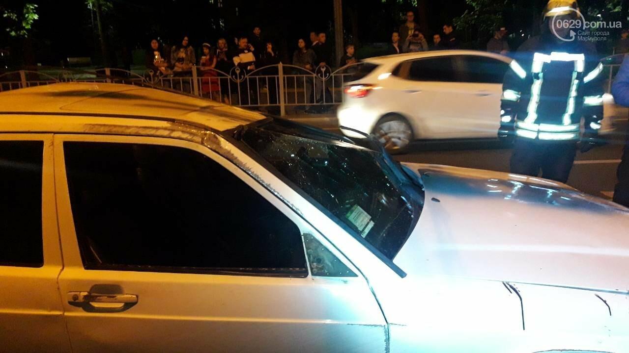 Злополучное место! Пьяный водитель Мерседеса перевернулся возле остановки «Драмтеатр» , - ФОТО, ВИДЕО, фото-3
