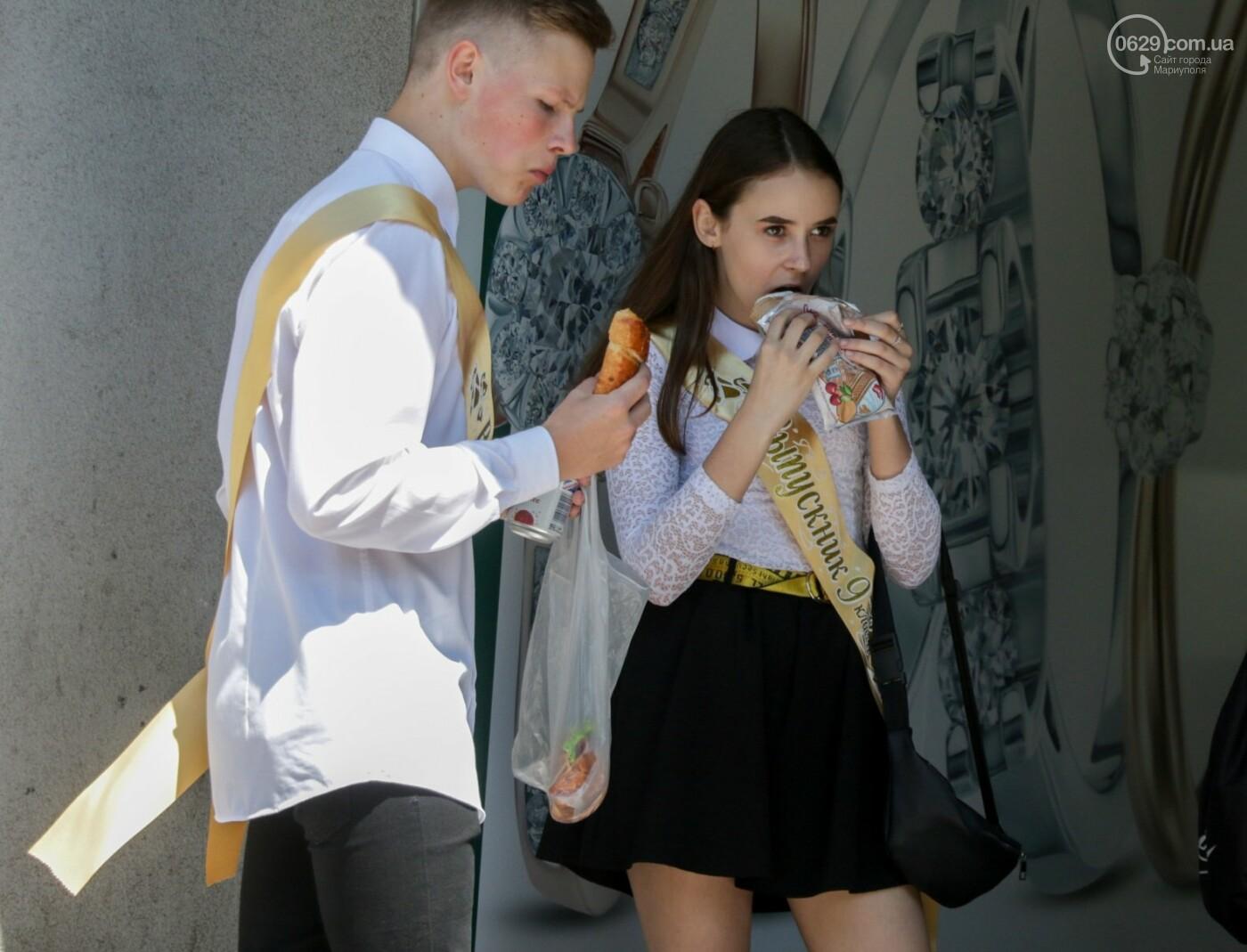Как мариупольские школьники у десантников фонтаны отбирали, - ФОТОРЕПОРТАЖ, фото-8