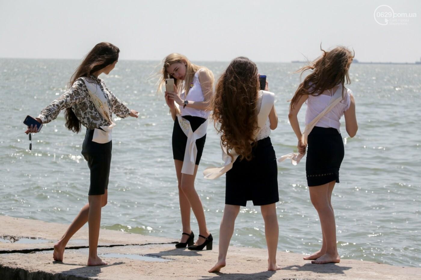 Как мариупольские школьники у десантников фонтаны отбирали, - ФОТОРЕПОРТАЖ, фото-10