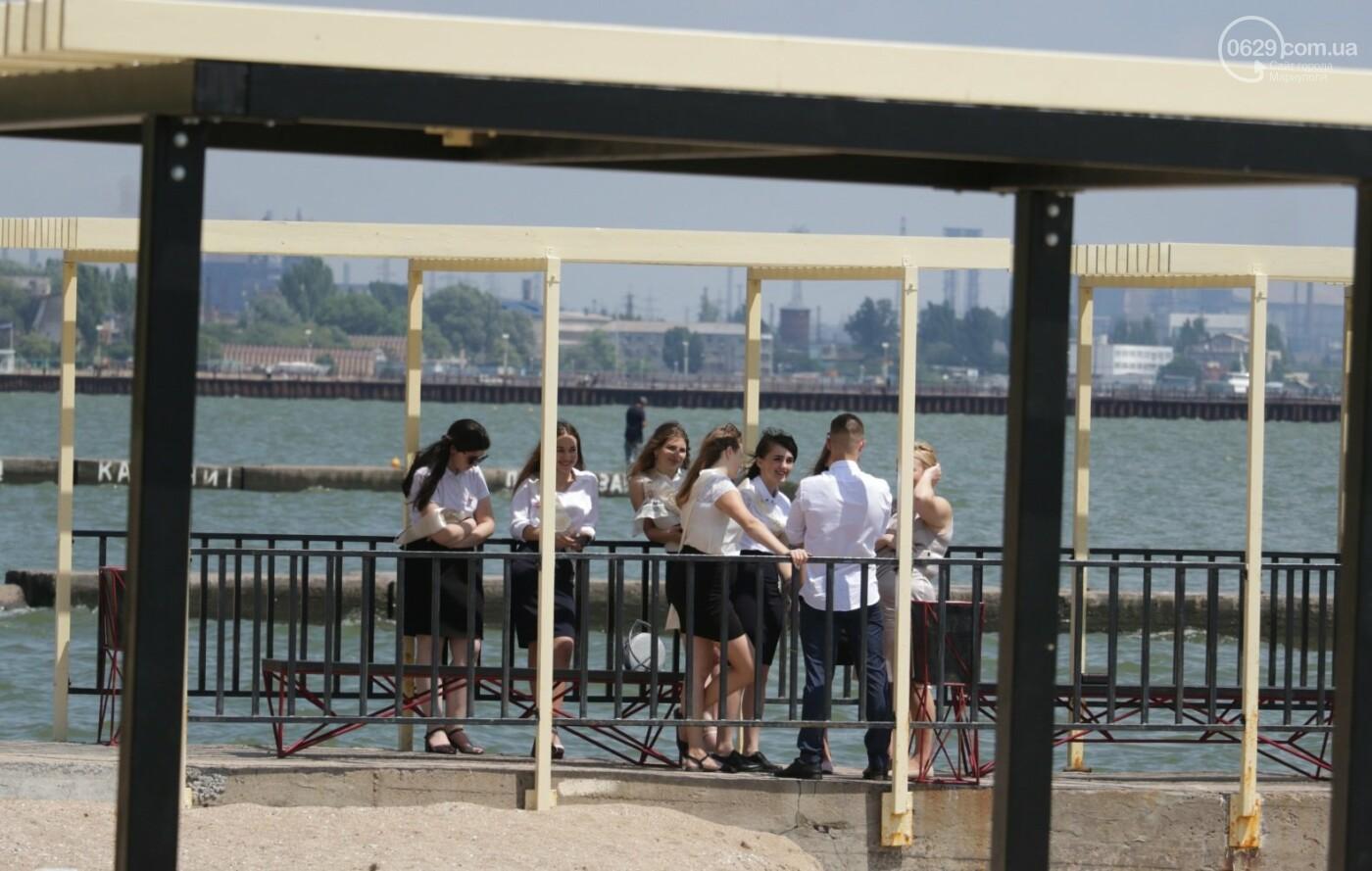Как мариупольские школьники у десантников фонтаны отбирали, - ФОТОРЕПОРТАЖ, фото-16