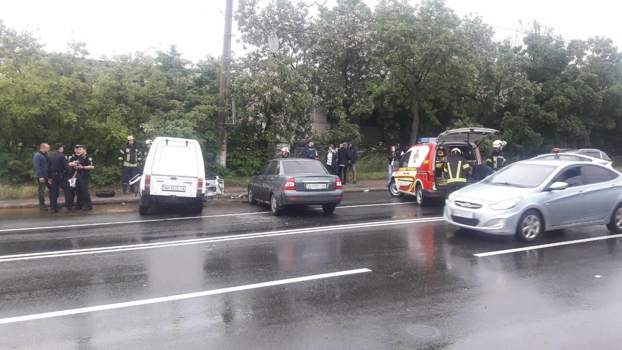"""В Мариуполе столкнулись """"Таврия"""" и """"Лада"""". Погибла женщина, три человека - в больнице, - ФОТО, ВИДЕО, 18+, фото-10"""