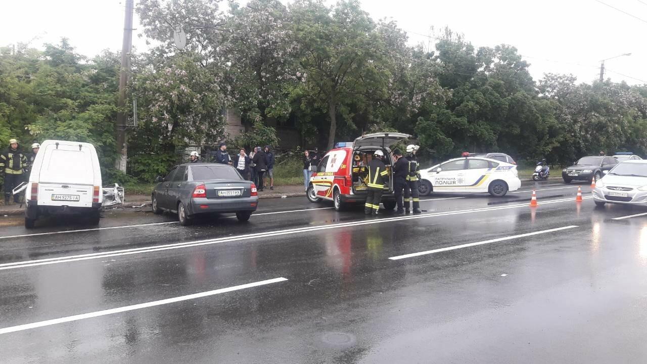 """В Мариуполе столкнулись """"Таврия"""" и """"Лада"""". Погибла женщина, три человека - в больнице, - ФОТО, ВИДЕО, 18+, фото-5"""