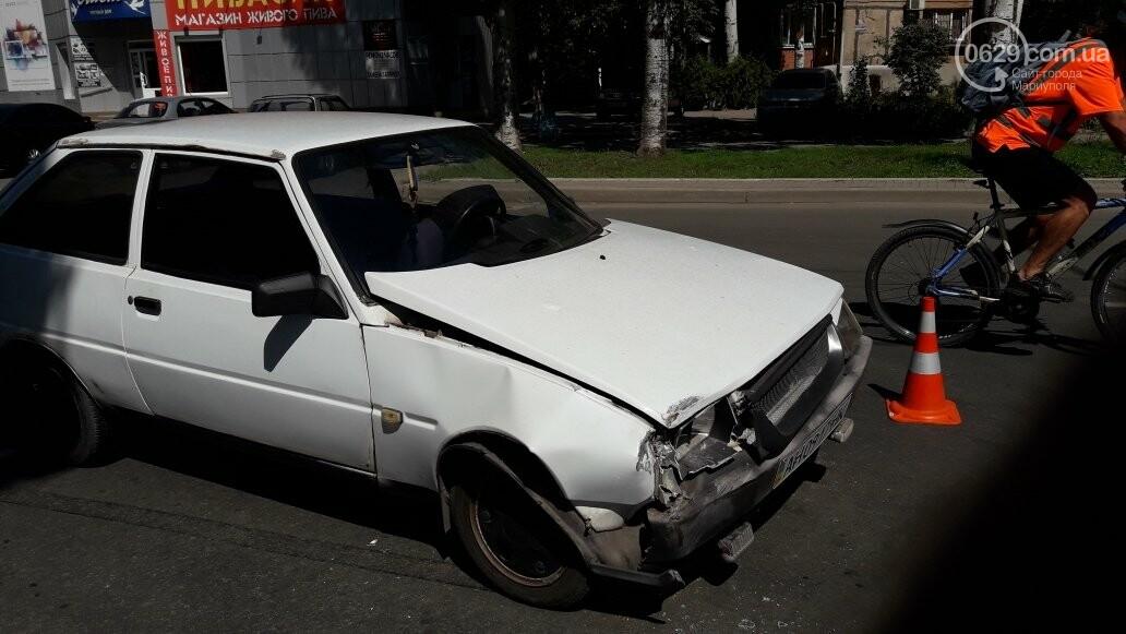 "В Мариуполе на выезде с парковки ""Таврию"" ударила ""Тойота"",- ФОТО, фото-1"