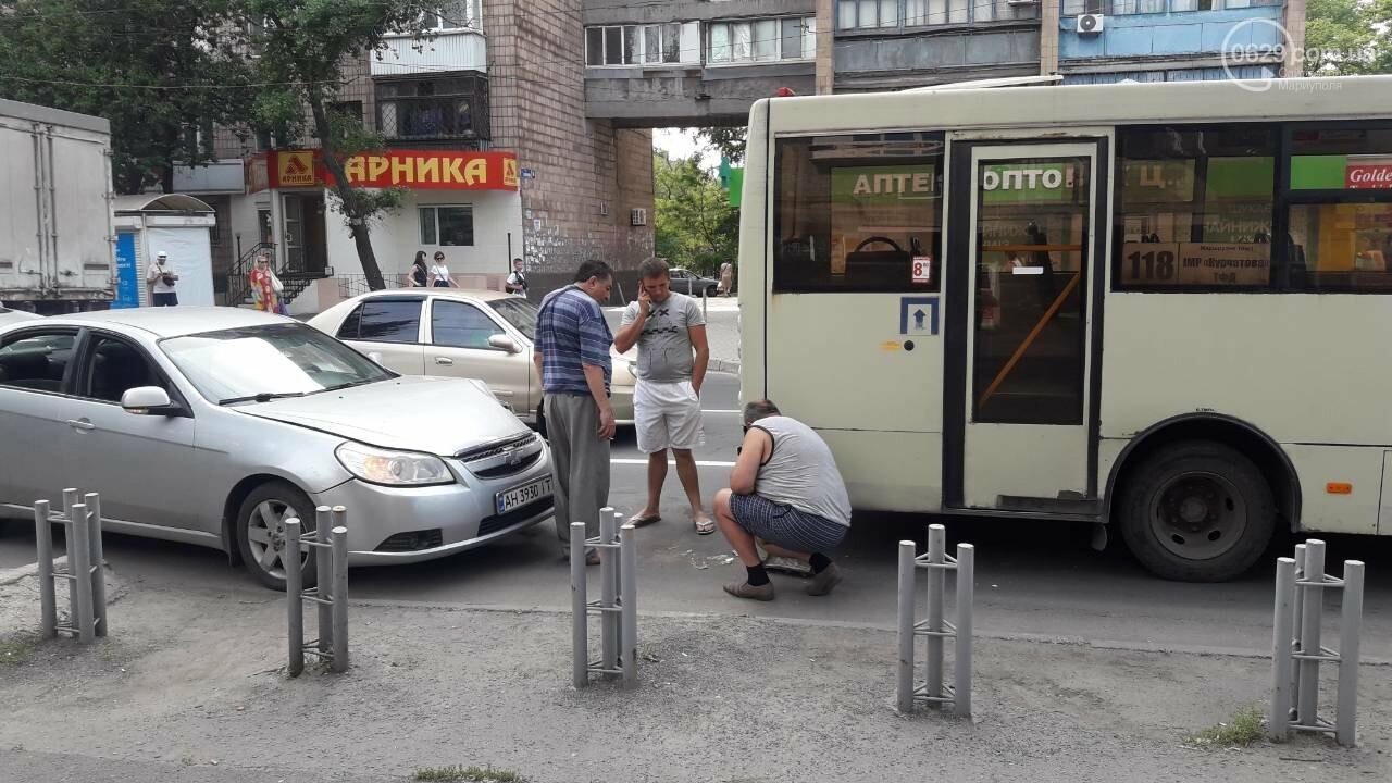 "В Мариуполе ""Шевроле"" врезалось в маршрутку, - ФОТО, фото-4"