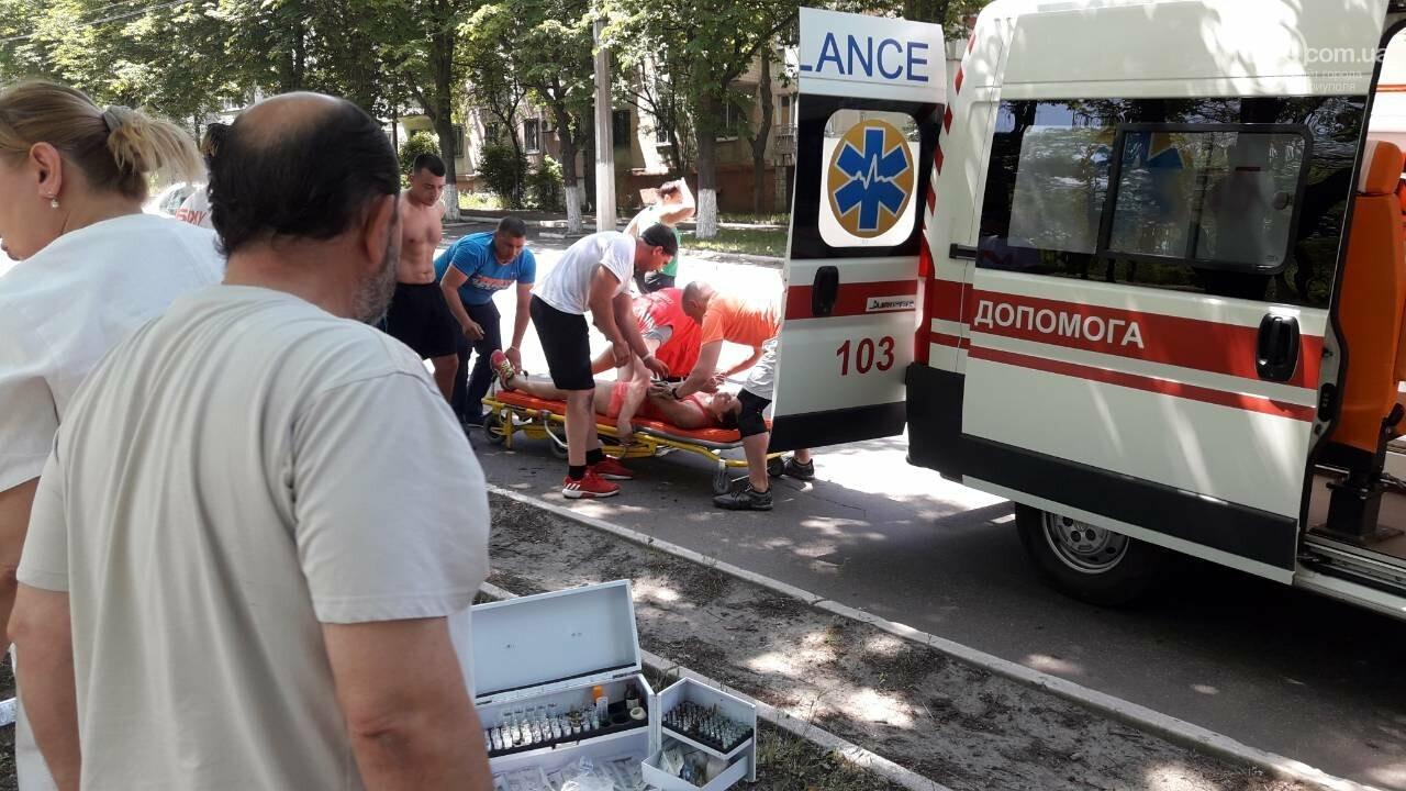 В Мариуполе участницу массового забега увезли в больницу, - ФОТО, ВИДЕО, фото-7