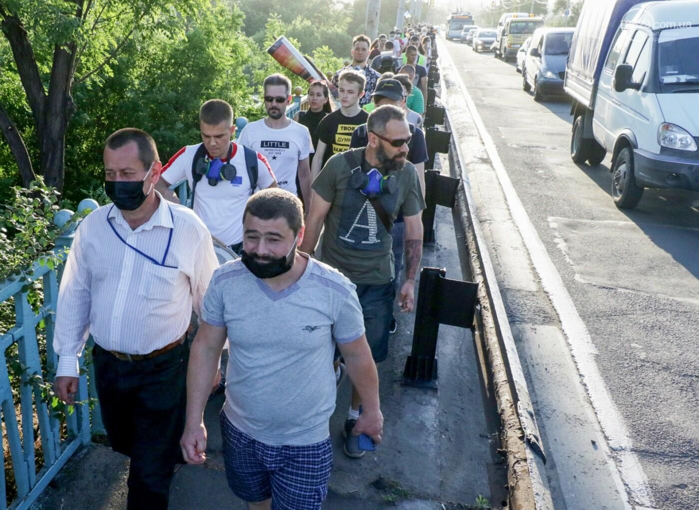 """""""Моя юность прошла на Донбассе Ахметова..."""" В Мариуполе горожане требовали чистый воздух, фото-5"""