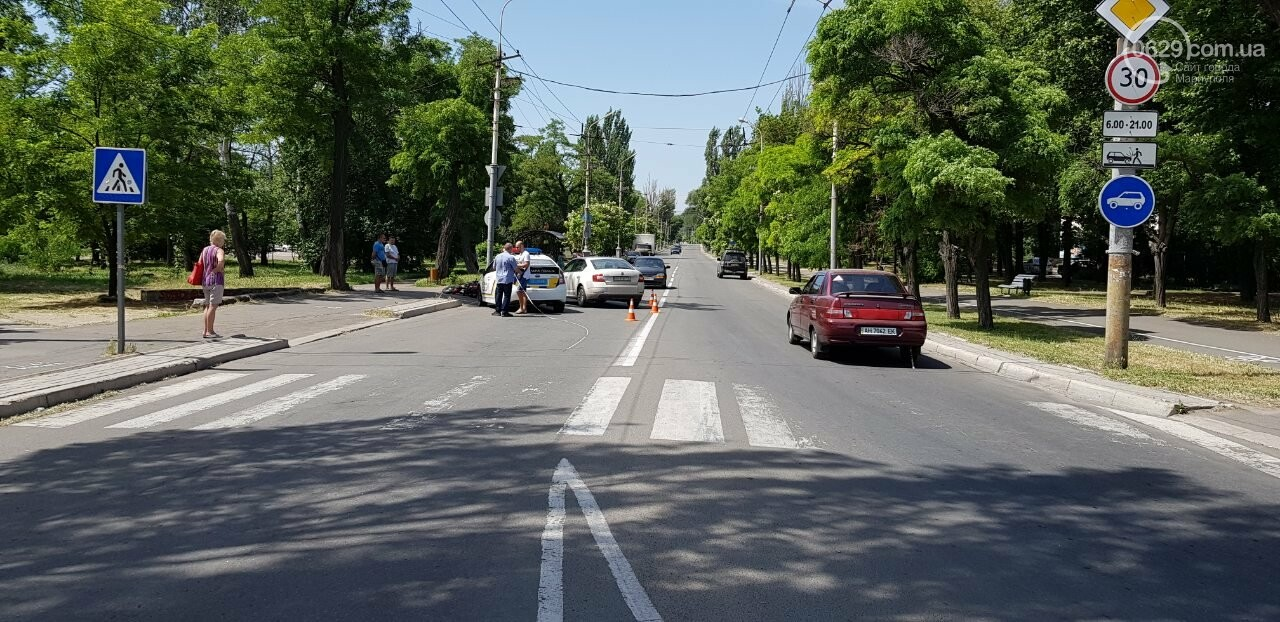 "В Мариуполе мотоцикл столкнулся со ""Шкодой"". Пострадал мужчина, - ФОТО, фото-5"