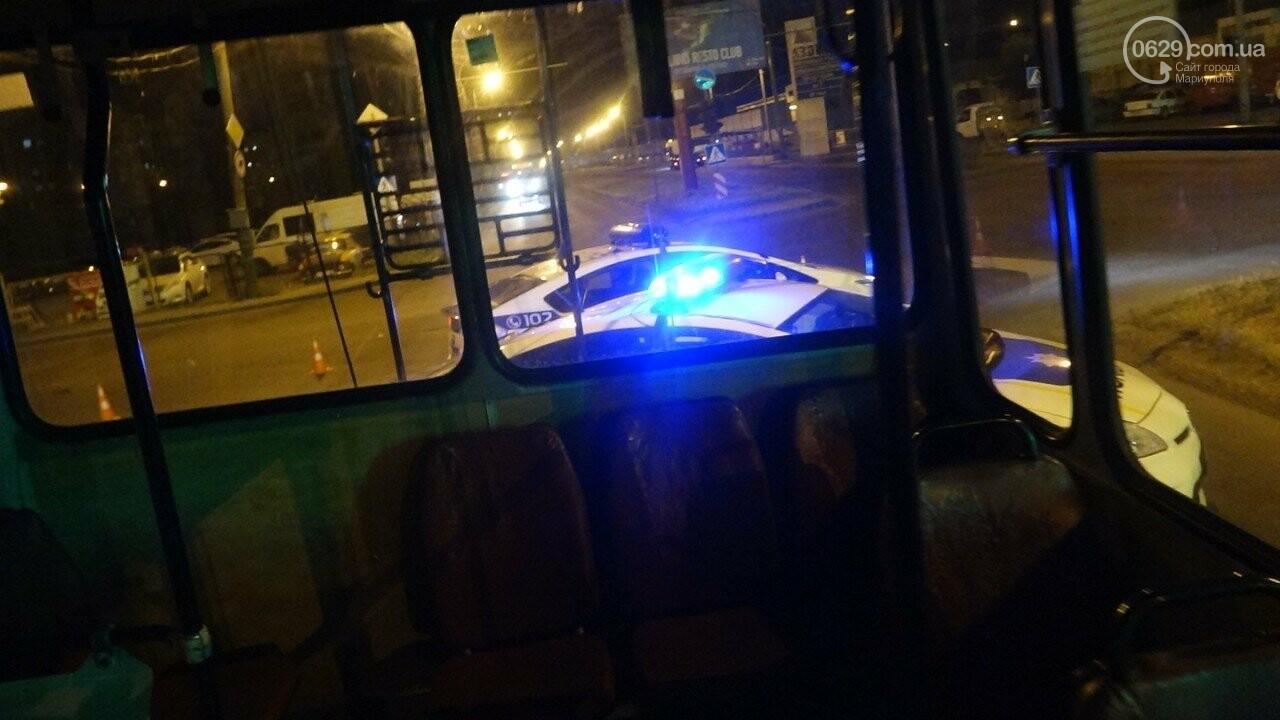 В Мариуполе троллейбус завалил столб на ул. Куприна, - ФОТО, фото-16