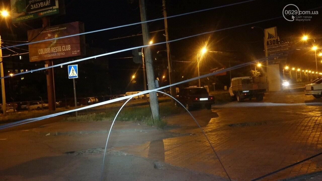 В Мариуполе троллейбус завалил столб на ул. Куприна, - ФОТО, фото-6