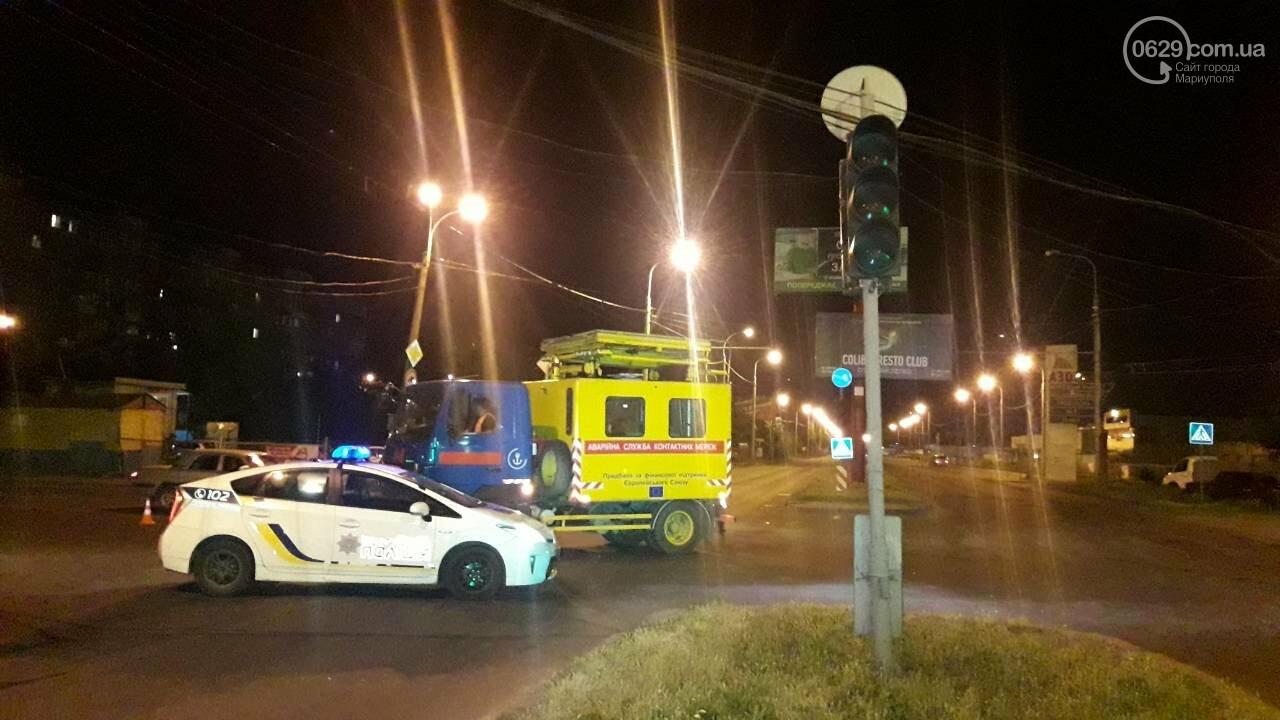 В Мариуполе троллейбус завалил столб на ул. Куприна, - ФОТО, фото-22