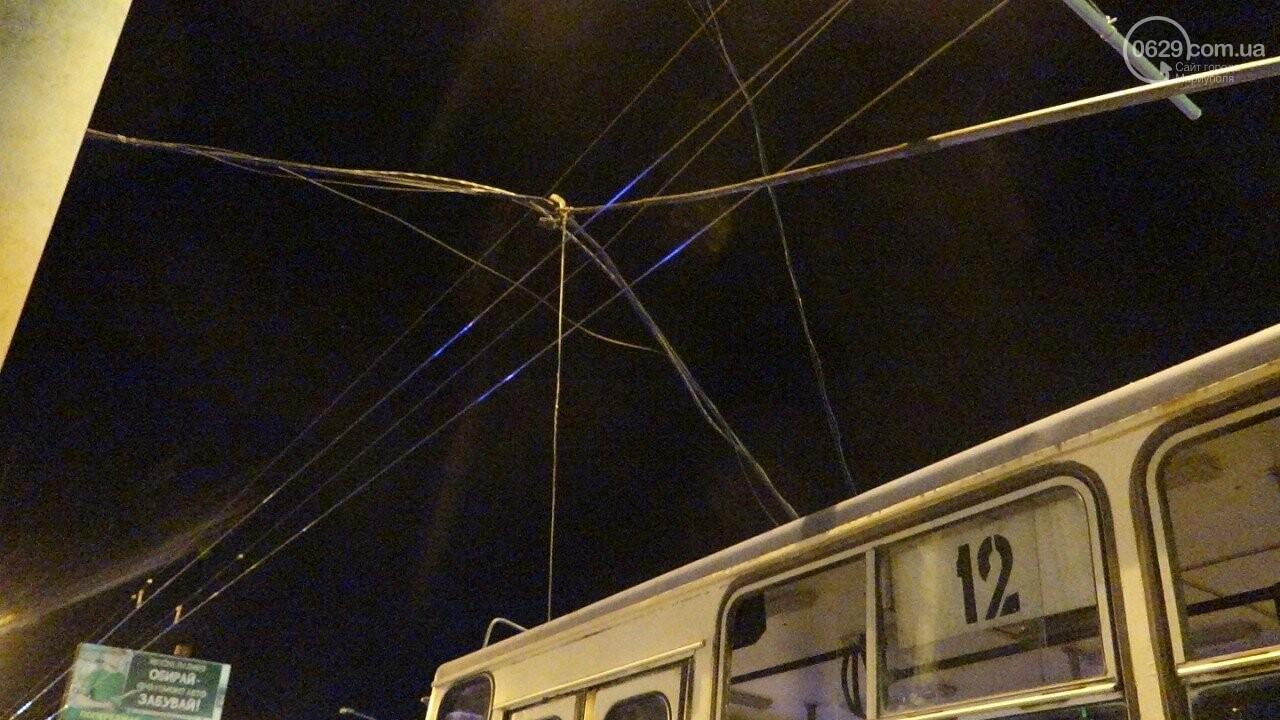В Мариуполе троллейбус завалил столб на ул. Куприна, - ФОТО, фото-20