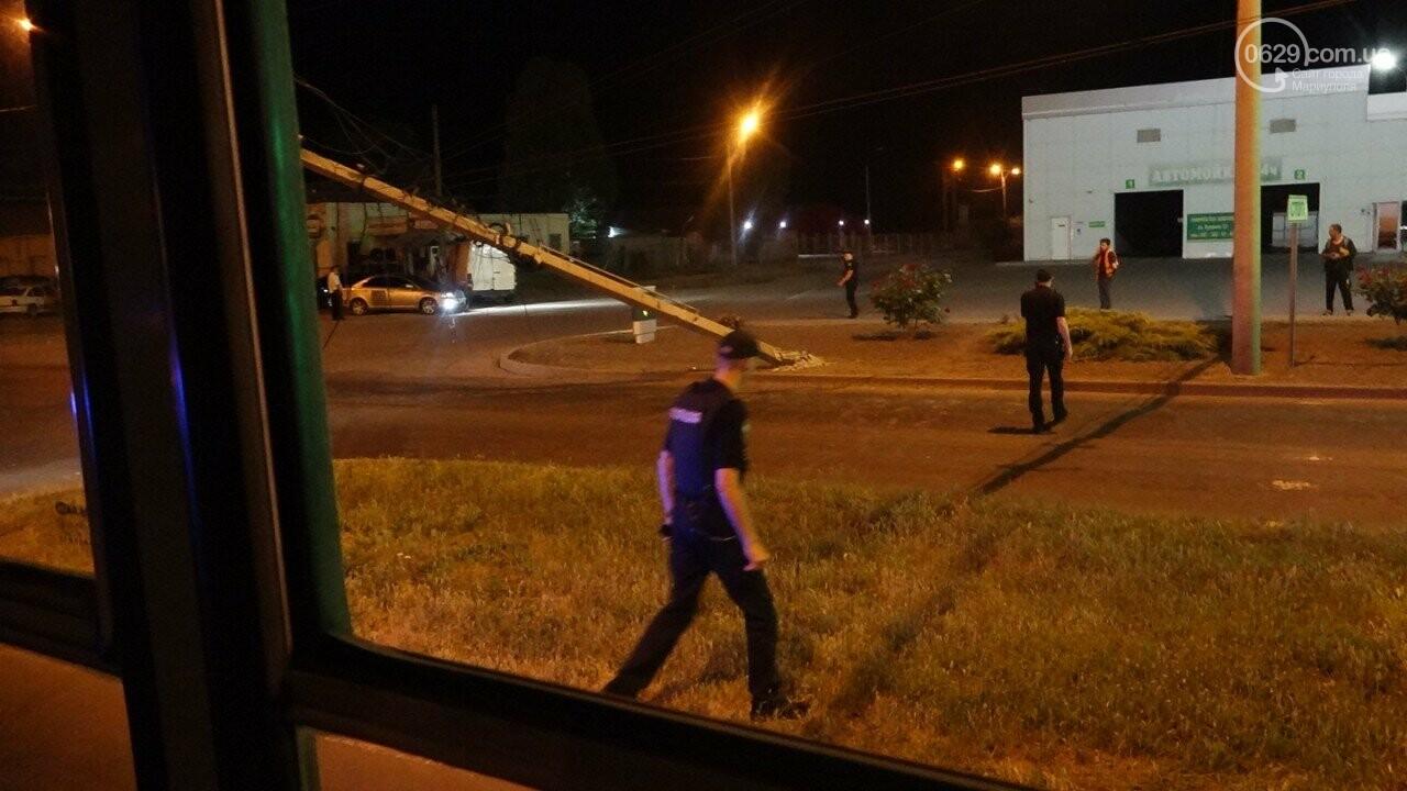 В Мариуполе троллейбус завалил столб на ул. Куприна, - ФОТО, фото-18