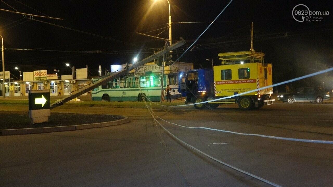 В Мариуполе троллейбус завалил столб на ул. Куприна, - ФОТО, фото-10