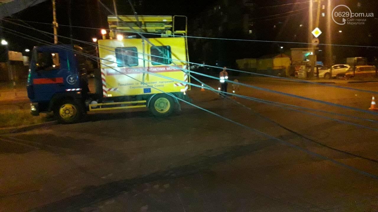 В Мариуполе троллейбус завалил столб на ул. Куприна, - ФОТО, фото-11