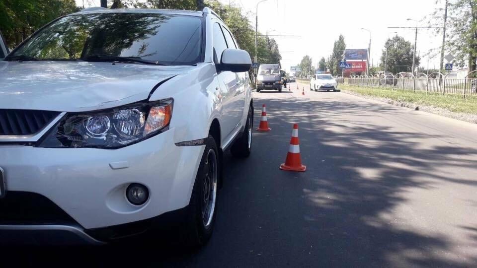 """В Мариуполе возле """"Порт Сity"""" автомобиль сбил женщину, - ФОТО, фото-1"""