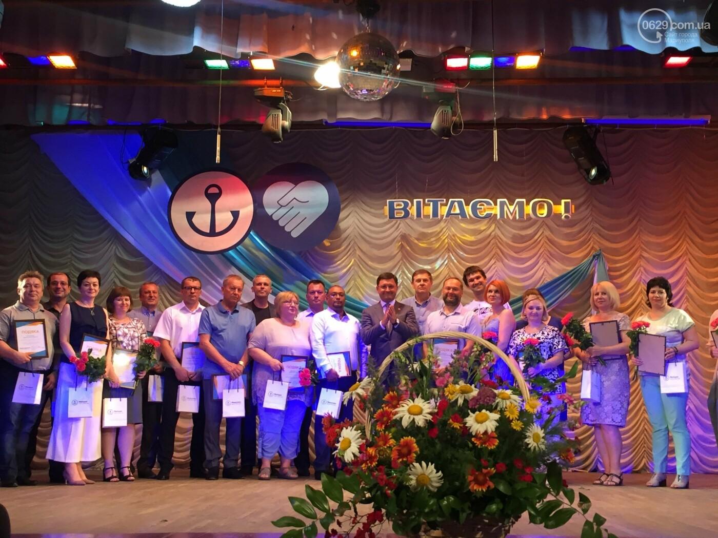 В Мариуполе поздравили людей самой нужной и благородной профессии, -ФОТО, ВИДЕО, фото-5