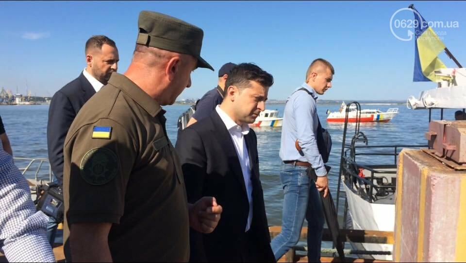 Президент увидел, как в мариупольский порт зашли контрабандисты, -ФОТО, ВИДЕО, фото-1