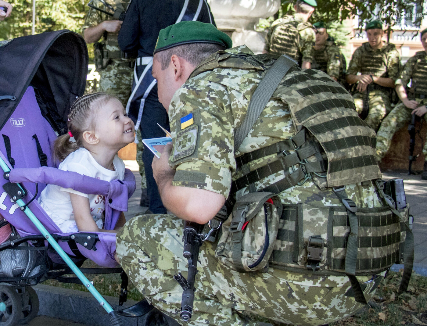 8 фотографий, которые доказывают: Мариуполь+армия=любовь, фото-1