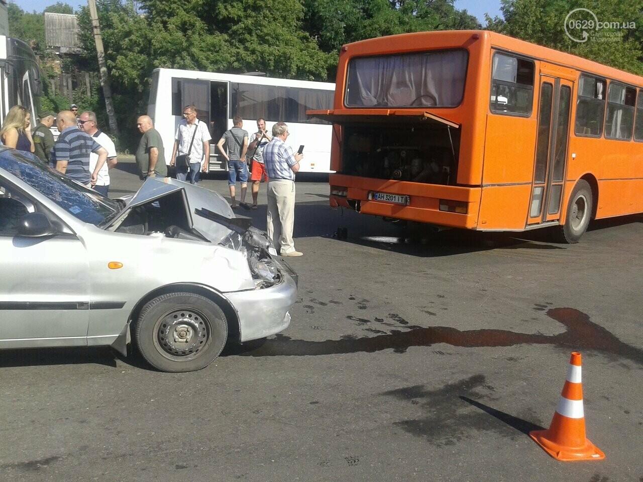 """В Мариуполе пьяный водитель """"Дэу"""" врезался в автобус, - ФОТО, фото-6"""