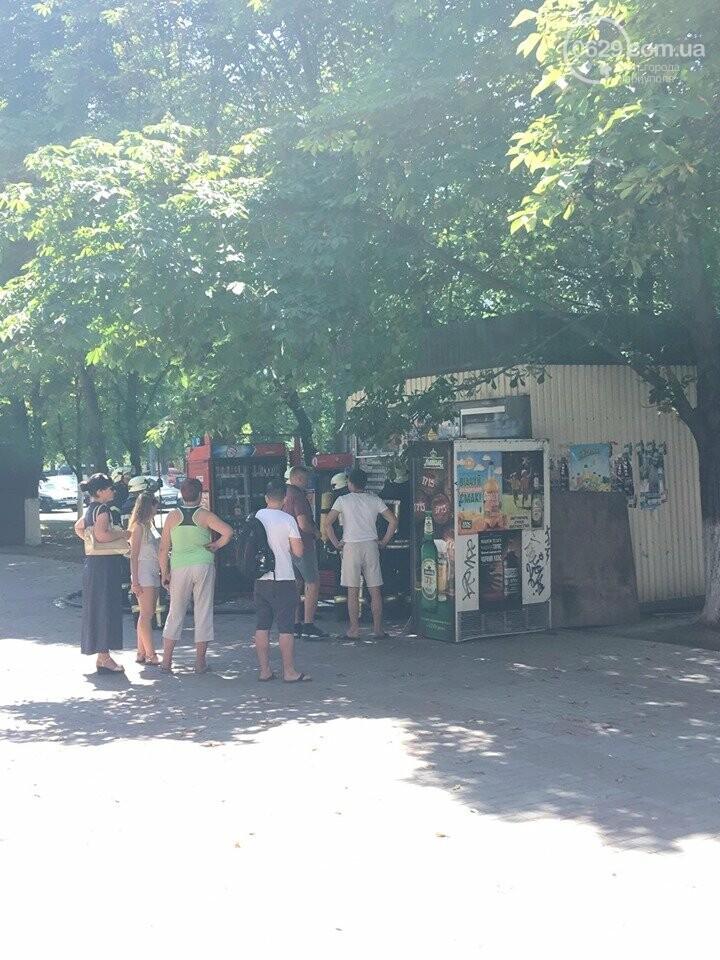 В центре Мариуполя горел сигаретный  киоск, - ФОТОФАКТ+ВИДЕО, фото-5