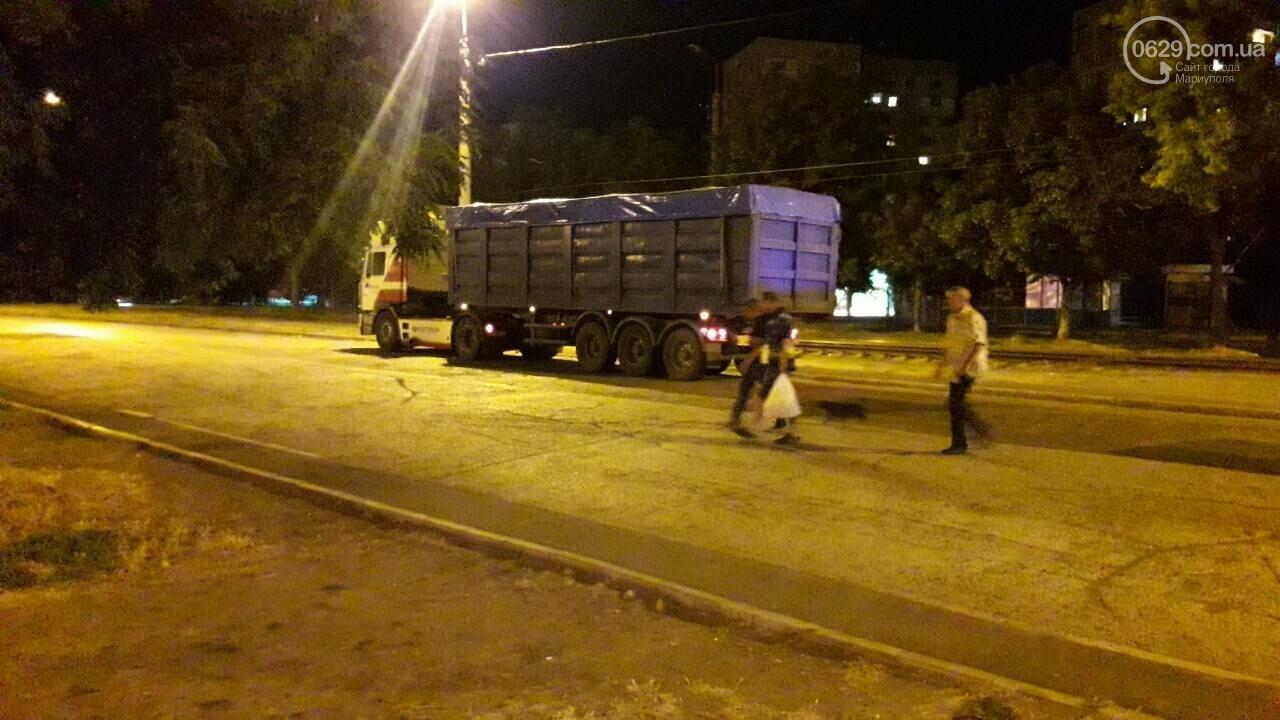 """В Мариуполе длинномер столкнулся с """"Тойотой"""", - ФОТО, фото-4"""